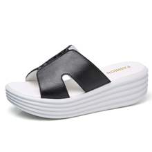 slipper ladies Shoes Leather Flats heel comfortable Slides Leather slippers 2018 Summer Super light soft bottom swing shoes woman casual slip on sandals