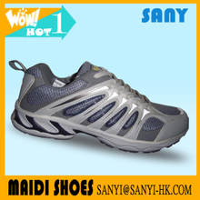 Fashionable Designe Light Grey Mesh Running Shoes with Wearproof MD Outsole for Men