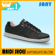 Best Selling Graceful Black Hollow Out Skate Shoes with Breathable Upper for Woman