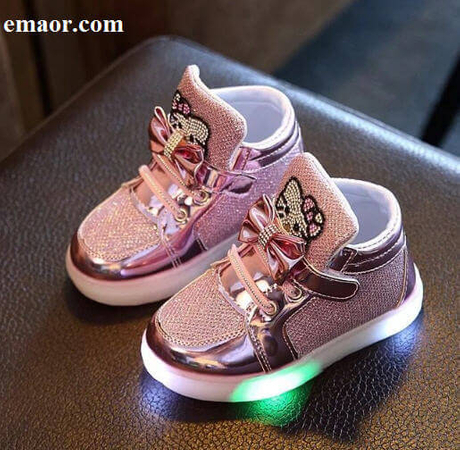 Children Luminous Shoes New Girls Sport Running Shoes Baby Flashing Lights Fashion Sneakers Princess Toddler Little Kid LED Sneakers