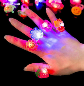 5pcs Cartoon LED Glow Rings, Light Up Rings Party Favors for Kids Best Ring Light